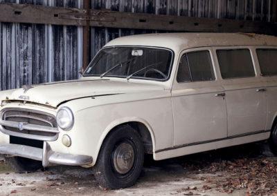 1957 Peugeot 403 Break €2500 - 4500 - Populaires Françaises.