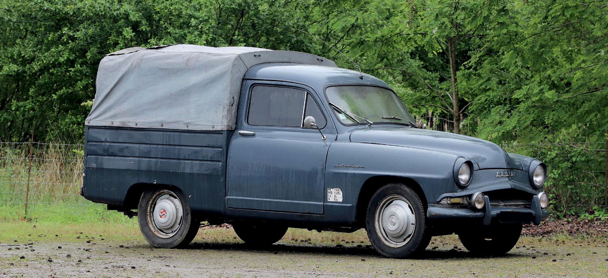 1957 Simca Aronde 90 Intendante €2000 - 4000 - Populaires Françaises.