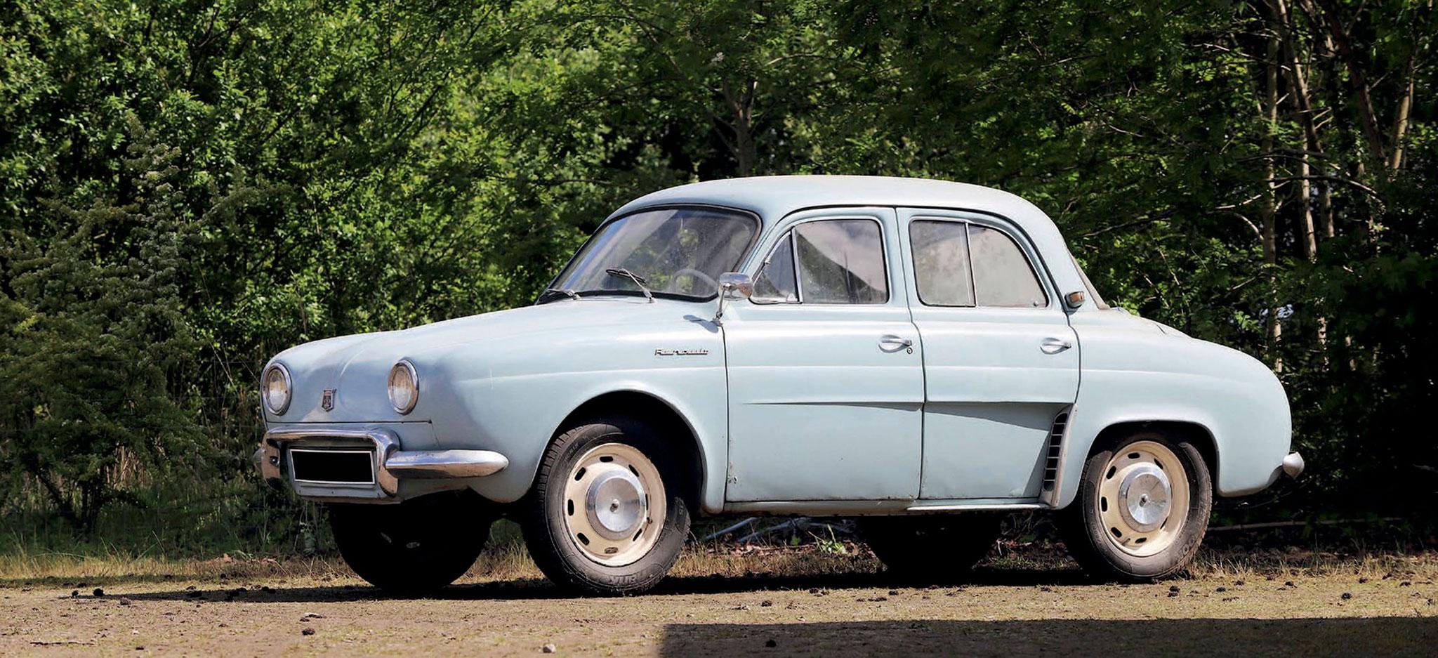 1958 Renault Dauphine 1090 €4000 - 6000 - Populaires Françaises.