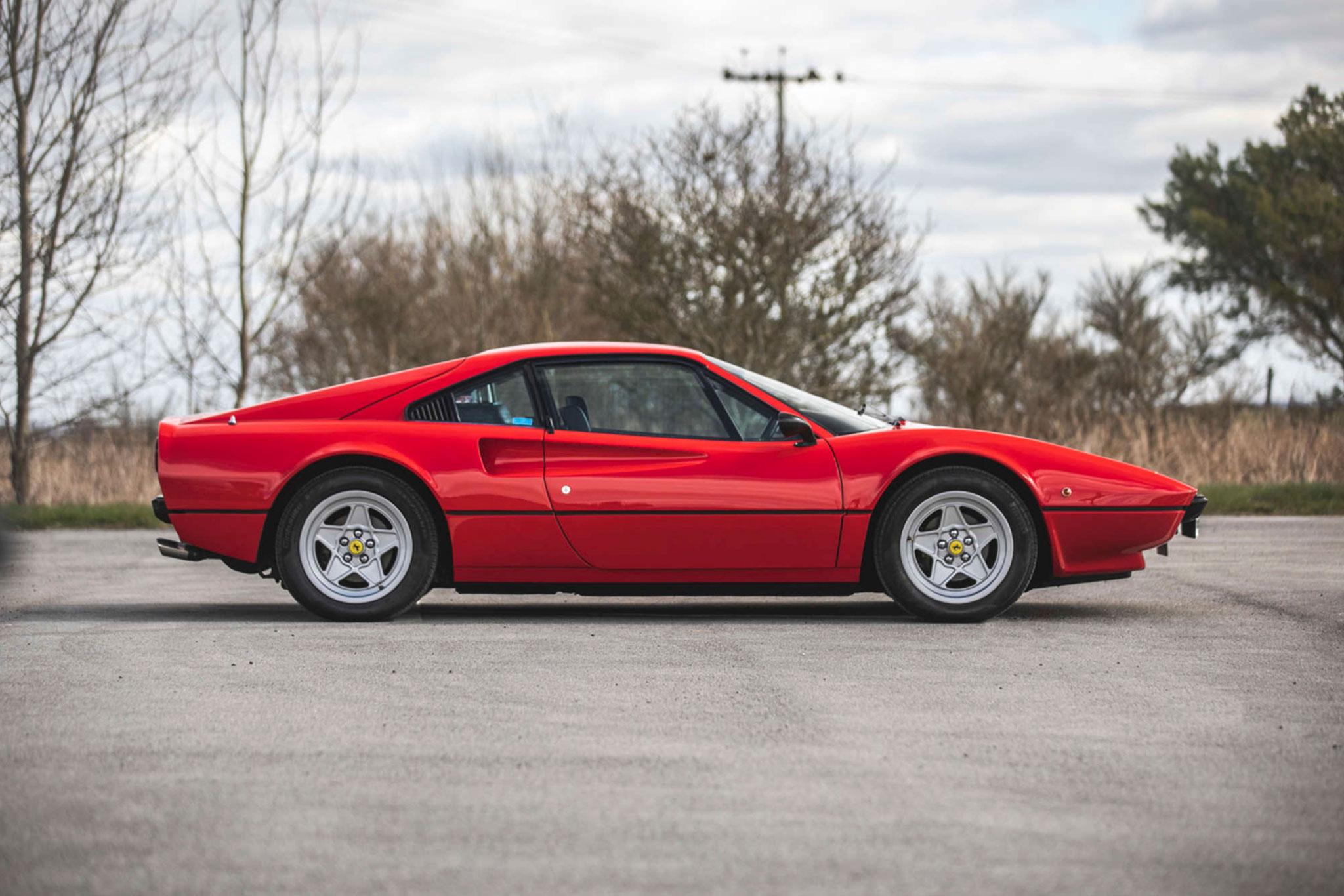 1978 Ferrari 308 GTB adjugée £58,500.