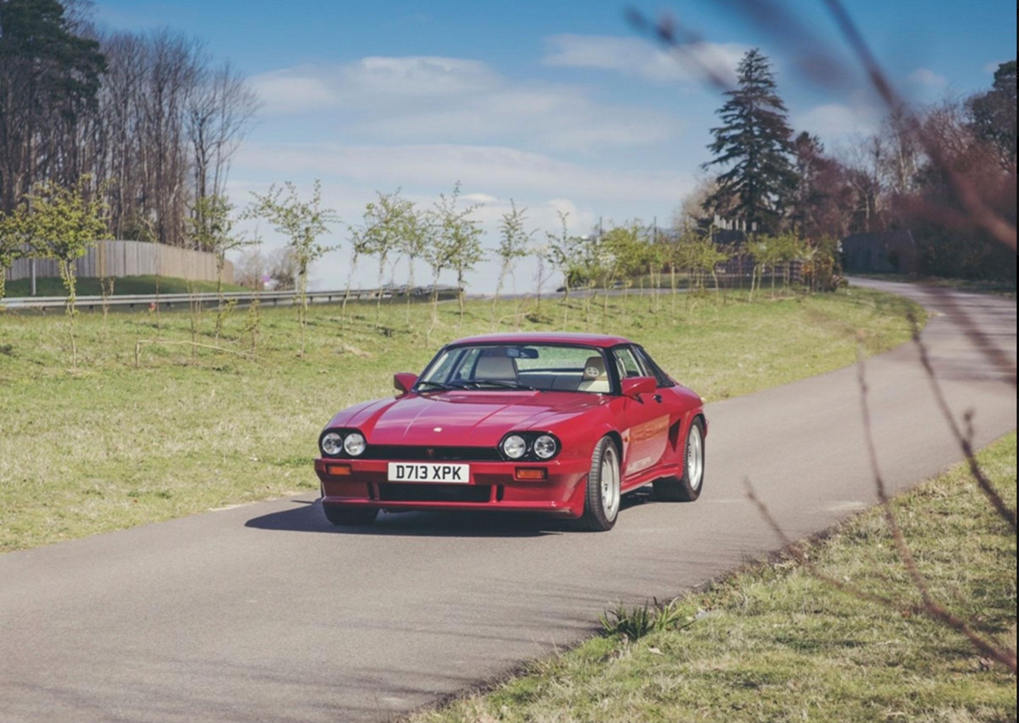 1986 Lister-Jaguar XJ-S 7.0-Litre la carrosserie renforcée de couleur Regency Red.