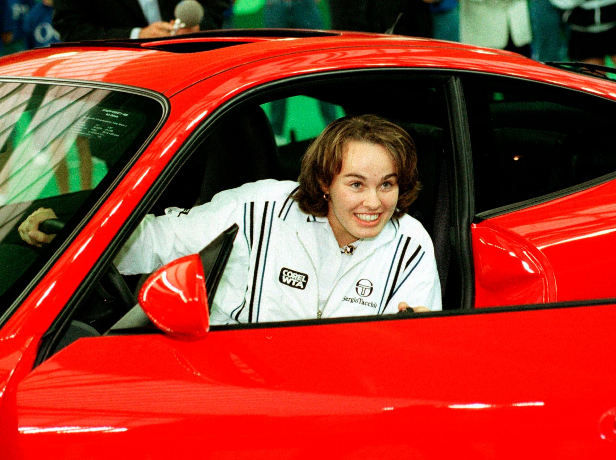 1997 Porsche 911 Type 996 Carrera Coupé Martina Hingis CHF 35 000 - 45 000 - Classique vs Supercar.