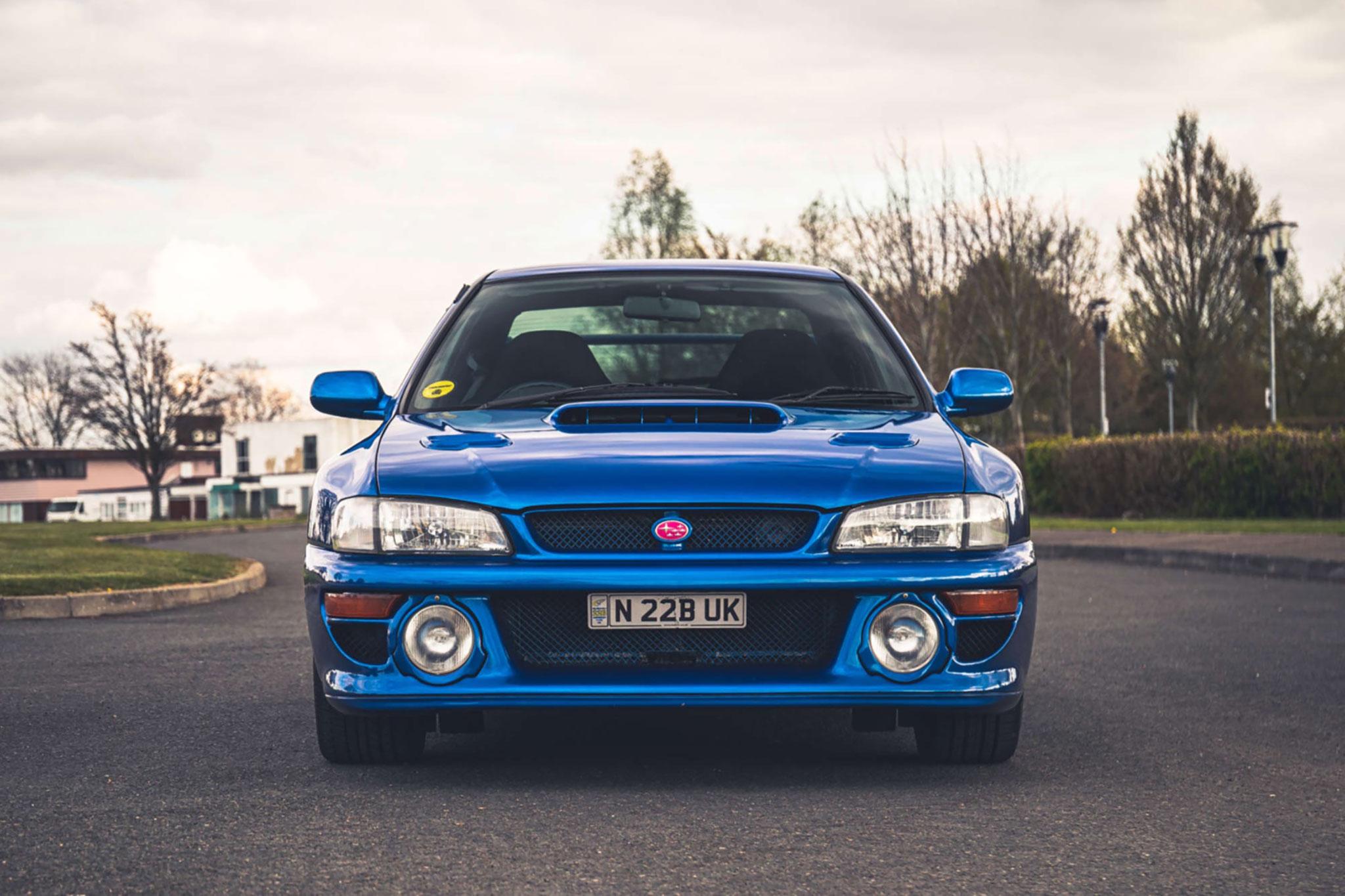 1999 Subaru 22B-STi Type UK attention aux importations parallèles.