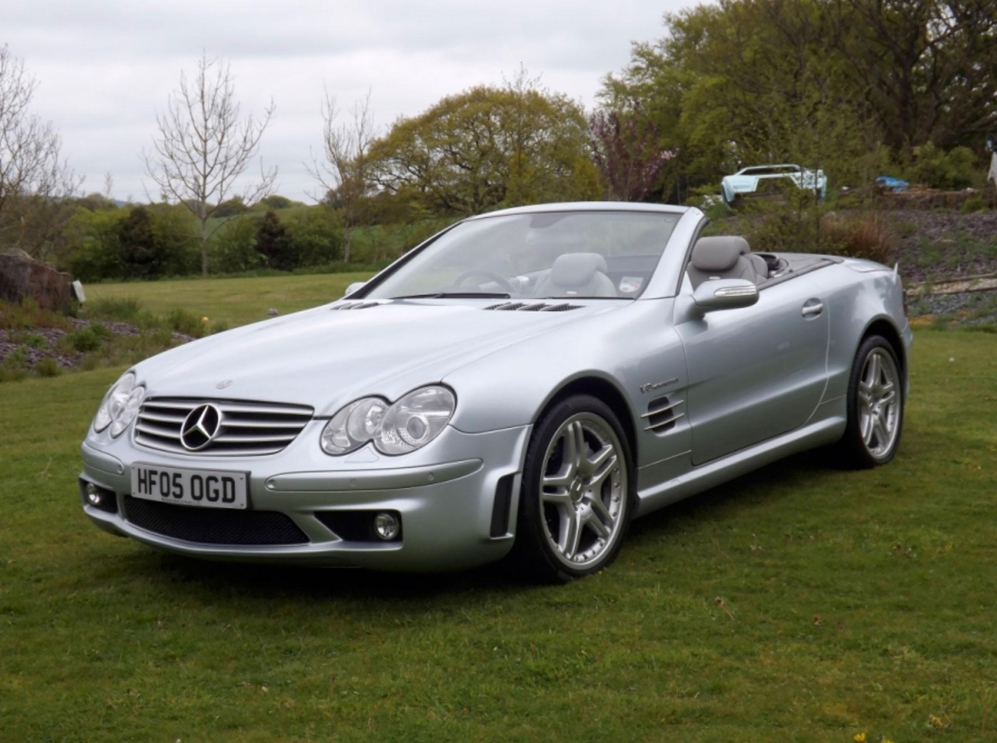 2005 Mercedes-Benz SL55 AMG F1 R230 ayant parcouru 21,800 miles - CCA au London Classic Car Show 2021.