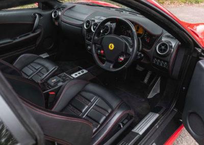 2006 Ferrari F430 F1 n'affiche que 1313 miles depuis sa mise en circulation.