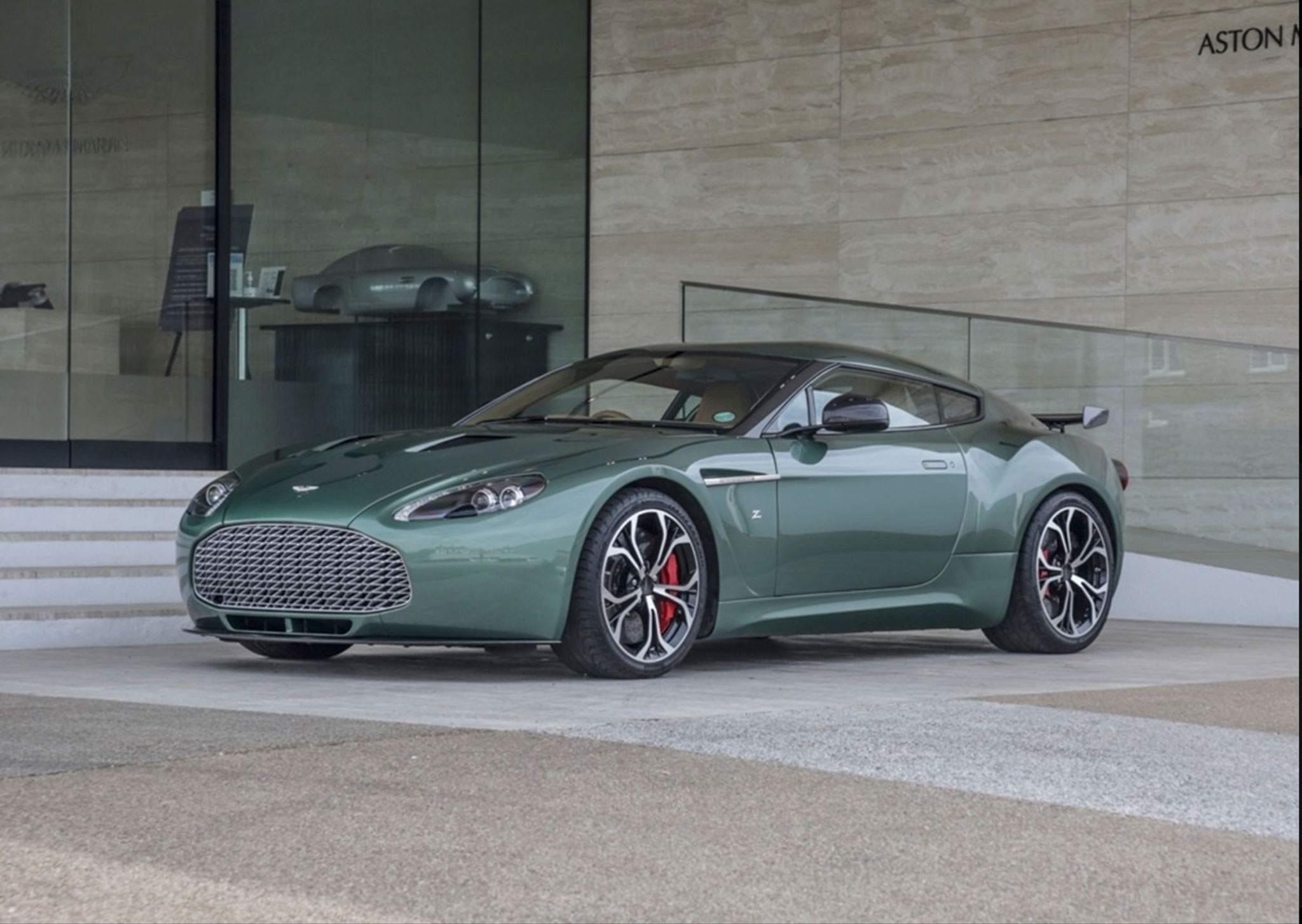 2011 Aston Martin V12 Zagato Prototype de route.