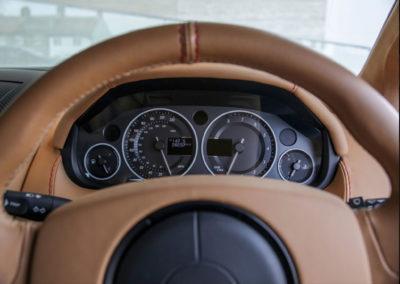 2011 Aston Martin V12 Zagato le kilométrage est certifié.