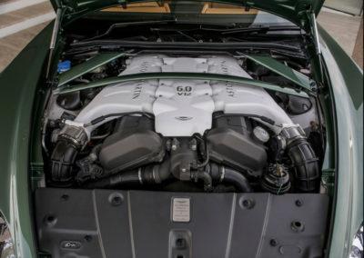 2011 Aston Martin V12 Zagato moteur de la version Vantage.