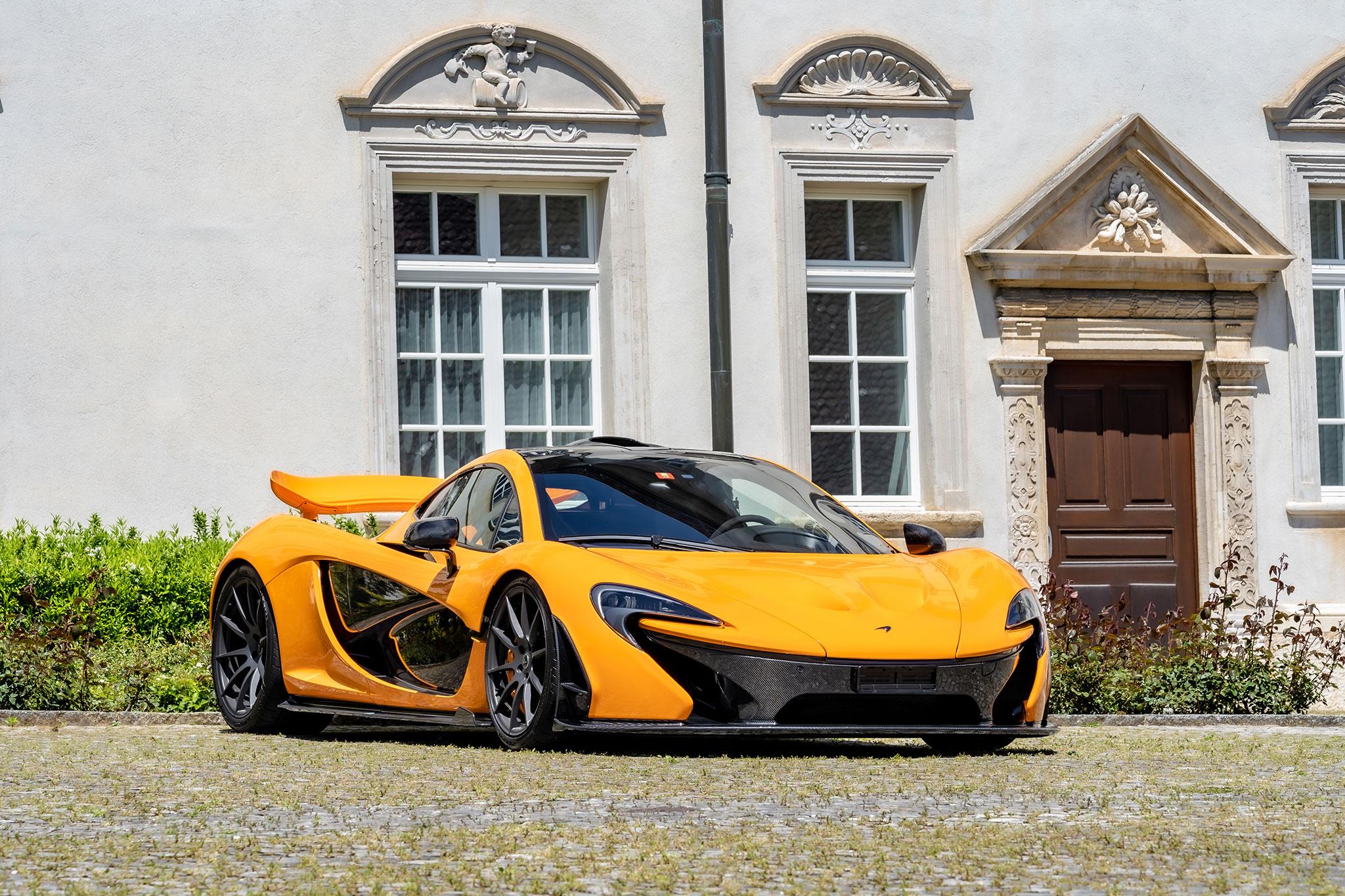 2014 McLaren P1 N° 180 CHF 1 200 000 - 1 500 000 - Classique vs Supercar.