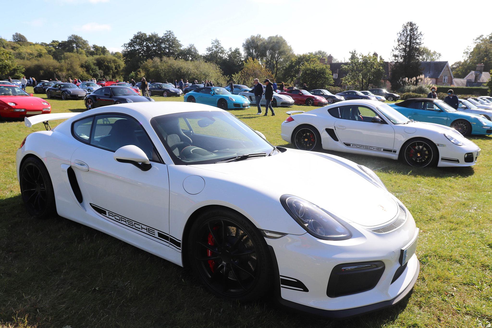 6 juin 2021 Simply Porsche Beaulieu le rendez-vous annuel des Porsche.