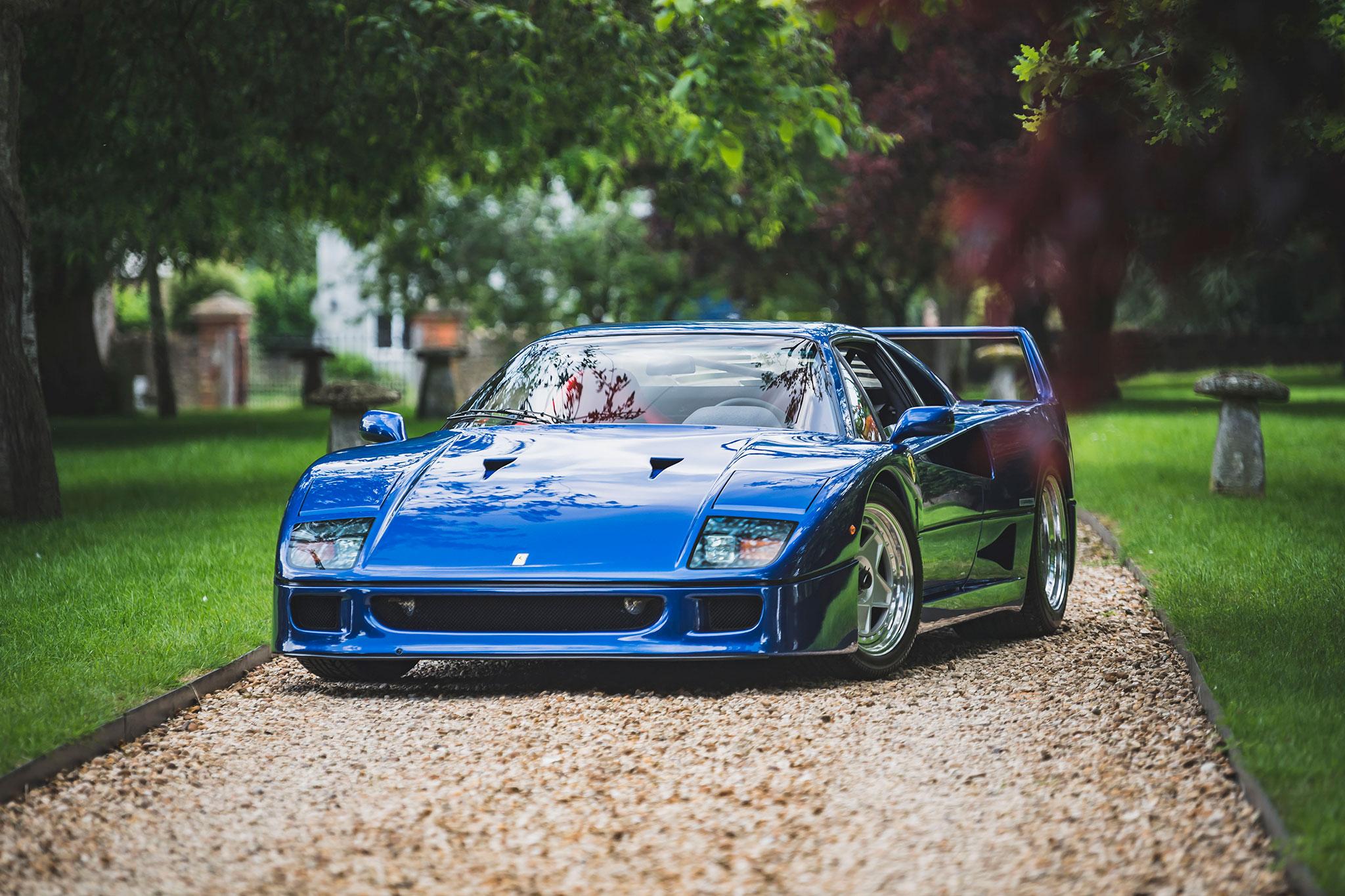 1989 Ferrari F40 bleu métallisé July 2021 record de vente - The Market by Bonhams.